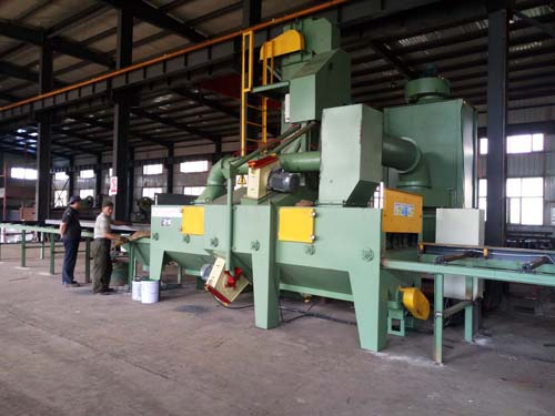 Roller Conveyor Shot Blasting Machine with 4 Blasting Turbines