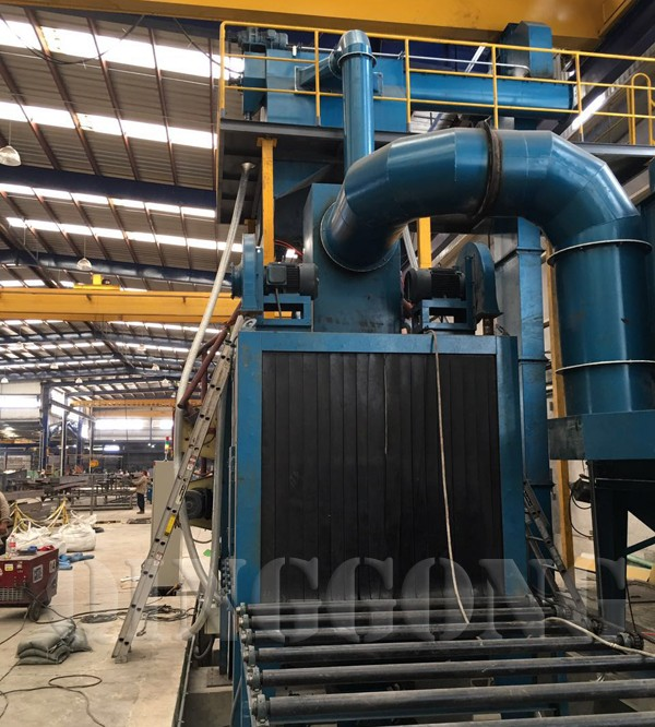 roller conveyor shot blasting machine in Mexico 3