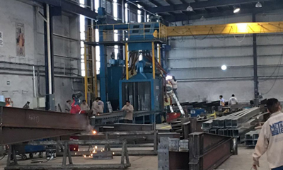 Roller Conveyor Shot Blasting Machine with 8 Blast Turbines in Mexico
