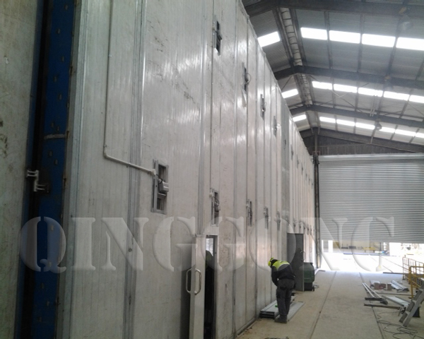 Sandblasting Room with Lighting System