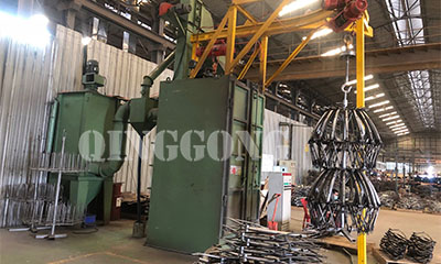 Bicycle frame hanger type shot blasting machine for Thailand customer