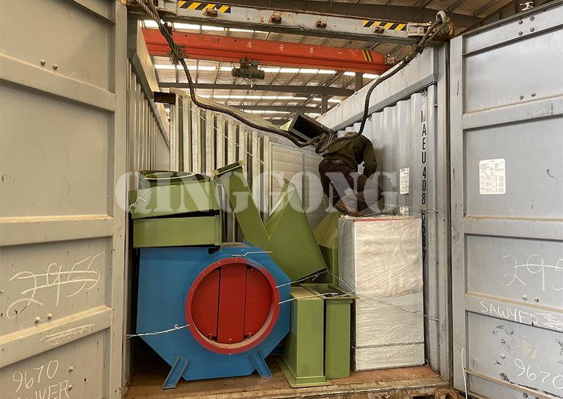 Sandblasting room shipped to Canada 3.jpg